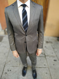 Herringbone men suit