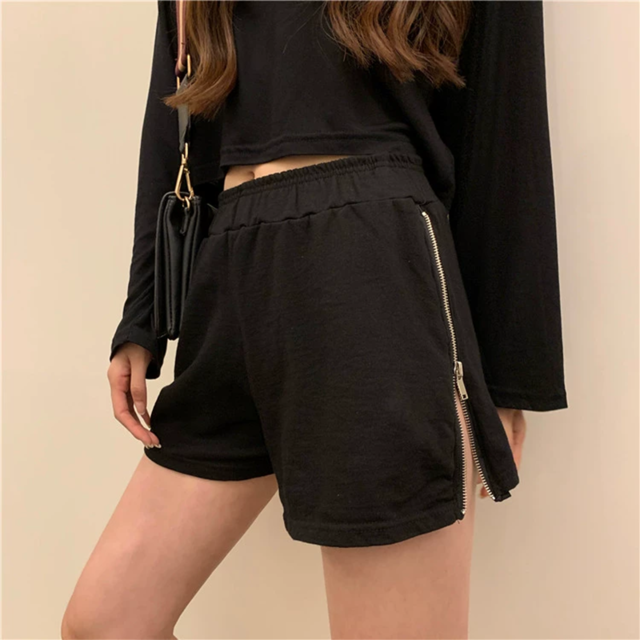 Women sports shorts loose casual wear