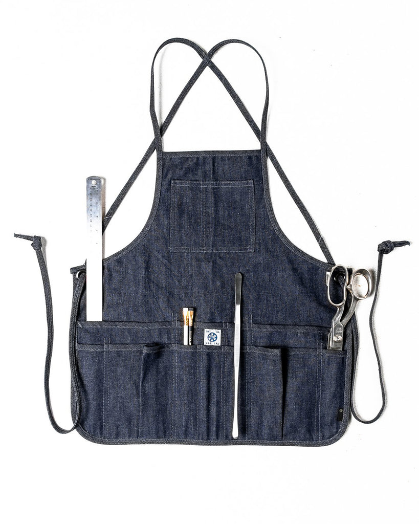 THE MID-LENGTH APRON