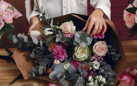 Read to discover what makes floral design trends special and  why it has continued for years.