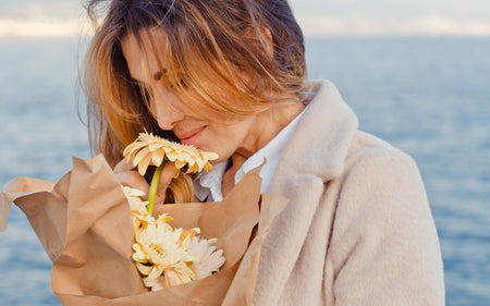 Why have different flowers aromas?