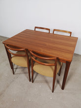 Afbeelding in Gallery-weergave laden, VINTAGE DINING TABLE (EXTENDABLE)