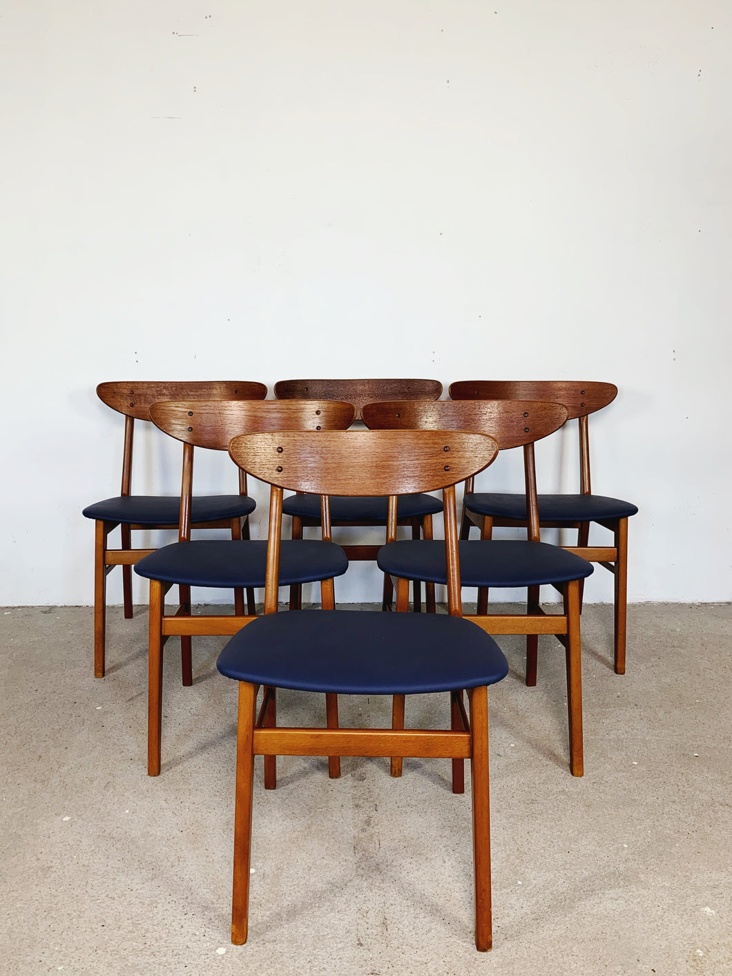 FARSTRUP CHAIRS BLUE (SET OF 6)