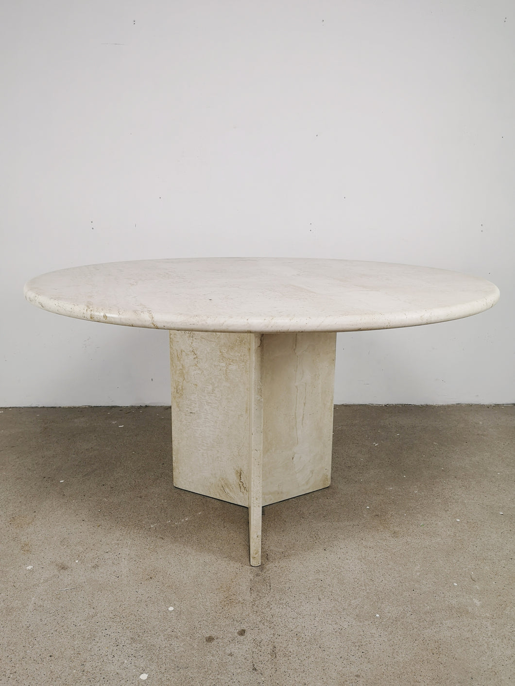 TRAVERTIN ROUND DINING TABLE