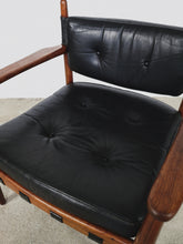 Afbeelding in Gallery-weergave laden, LEATHER & ROSEWOOD LOUNGE CHAIRS