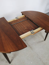 Afbeelding in Gallery-weergave laden, DANISH DINING SET TABLE & CHAIRS BY FREM ROJLE (EXTENDABLE)