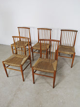 Afbeelding in Gallery-weergave laden, WOODEN CHURCH CHAIRS (SET OF 5)