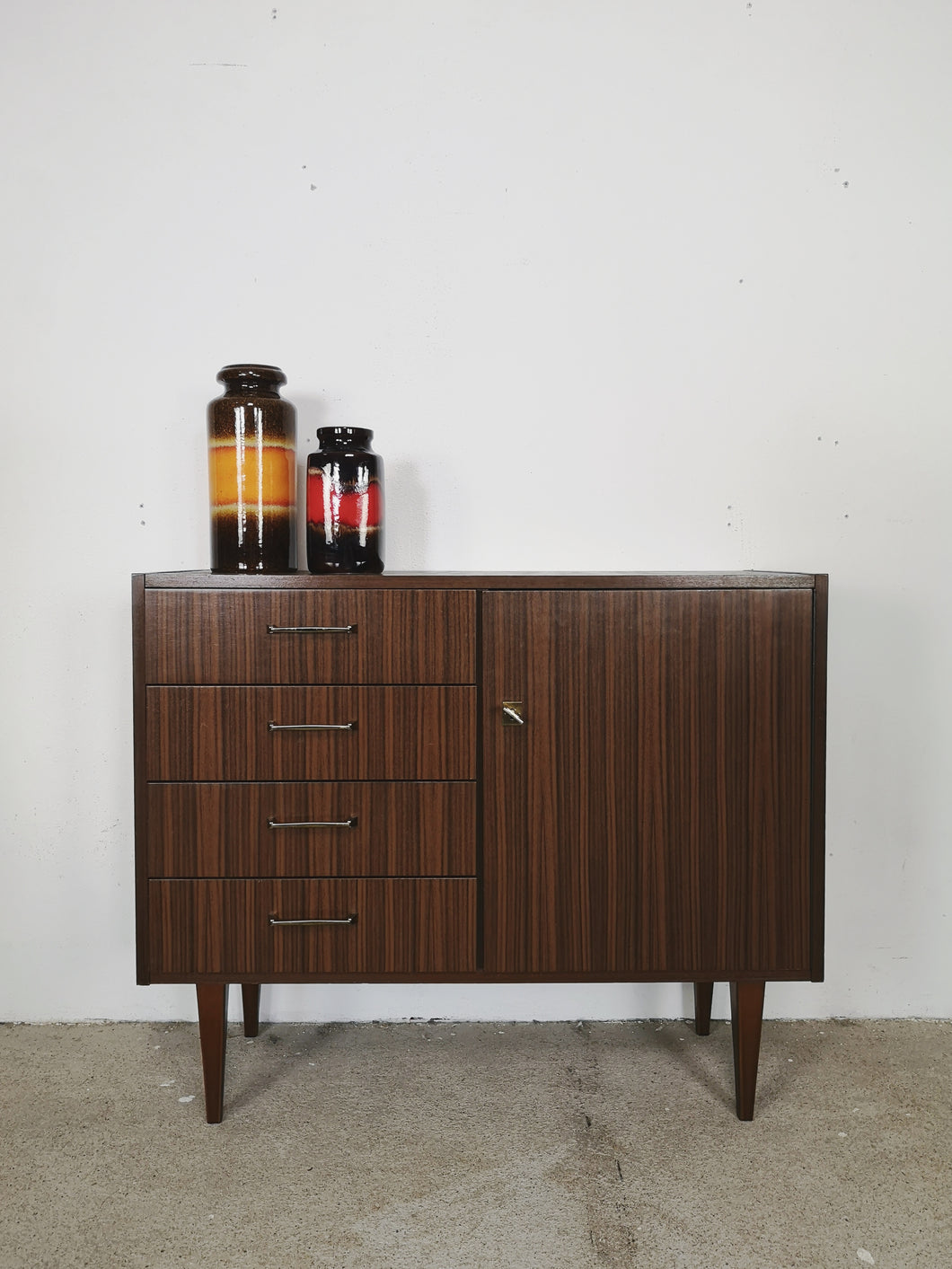 SIDEBOARD XS