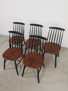 WOODEN CHAIRS (SET OF 5)
