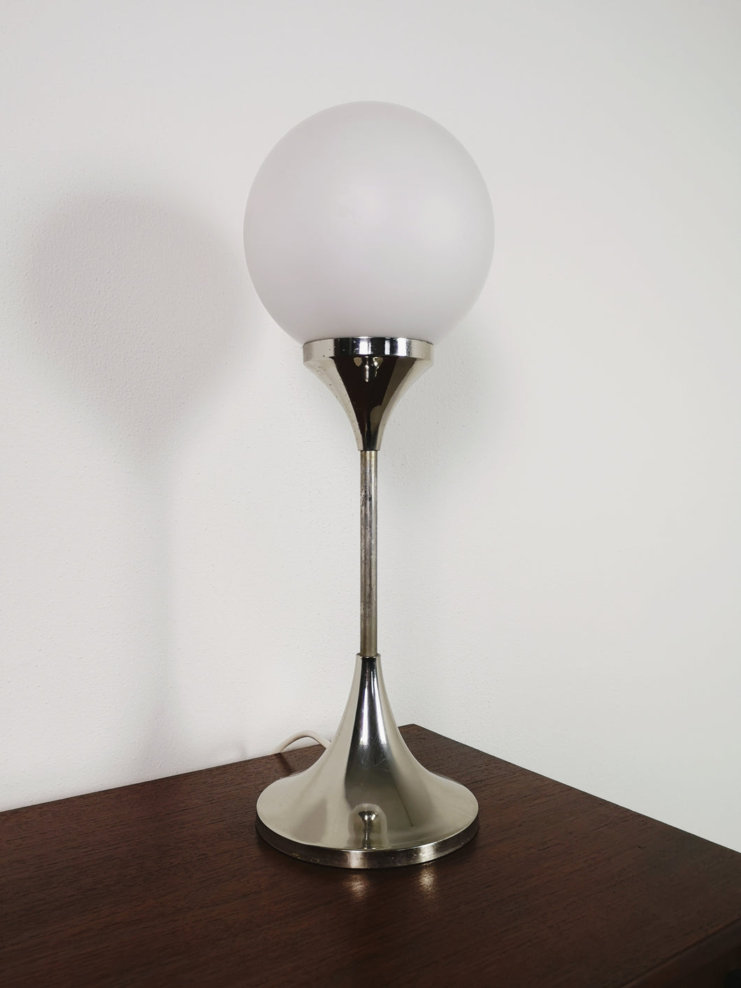 TABLE LAMP OPAL GLASS