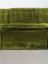 Afbeelding in Gallery-weergave laden, MODULAR SOFA IN GREEN VELVET