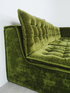 MODULAR SOFA IN GREEN VELVET