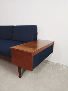 BLUE SEATING GROUP INGMAR RELLING