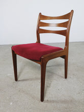 Afbeelding in Gallery-weergave laden, TEAK LADDER BACK CHAIRS (SET OF 4)