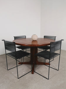 ROUND EXTENDABLE DINING TABLE TEAK