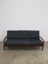 Afbeelding in Gallery-weergave laden, DANISH SOFA DARK GREY