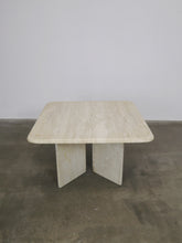 Afbeelding in Gallery-weergave laden, TRAVERTIN SIDE TABLE