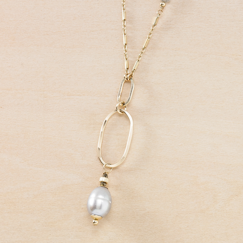 Dusky Coast Necklace - Gray Pearl and Gold Pendant