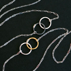 Friendship necklace with linked hammered circles