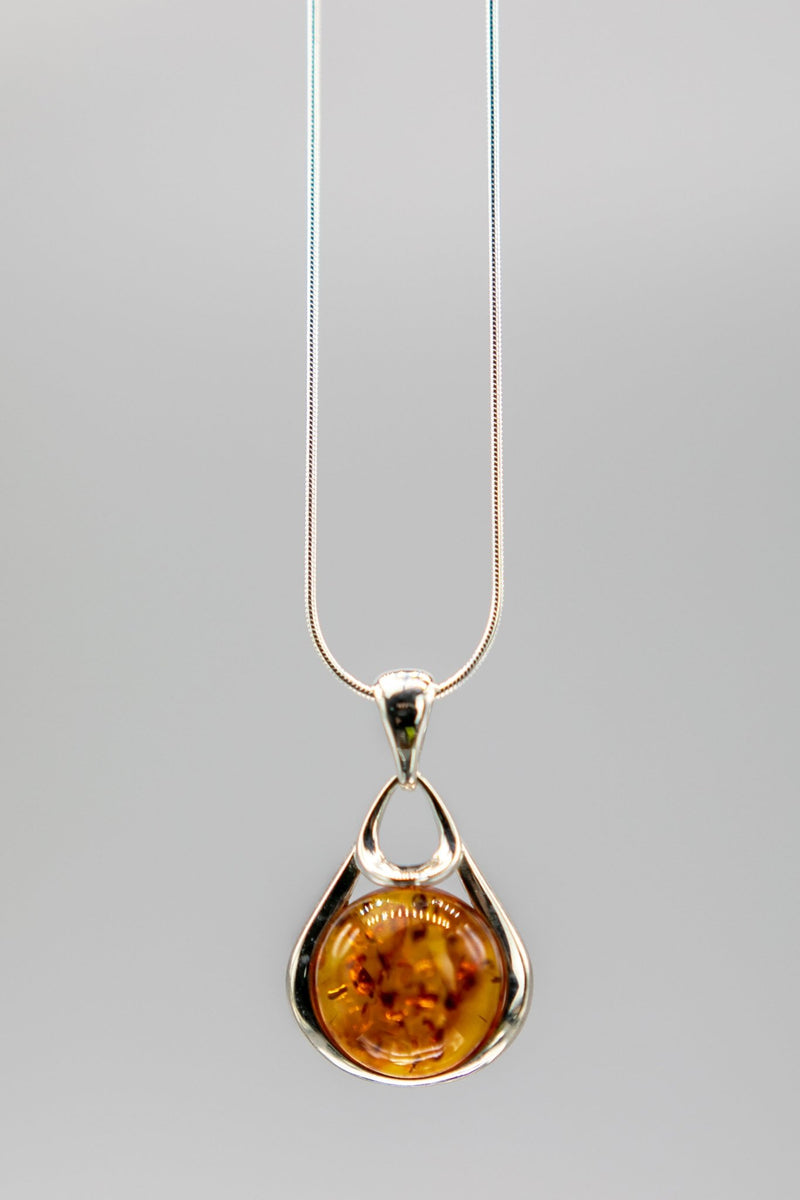 Baltic Honey Amber Drop Necklace - L'Atelier Global