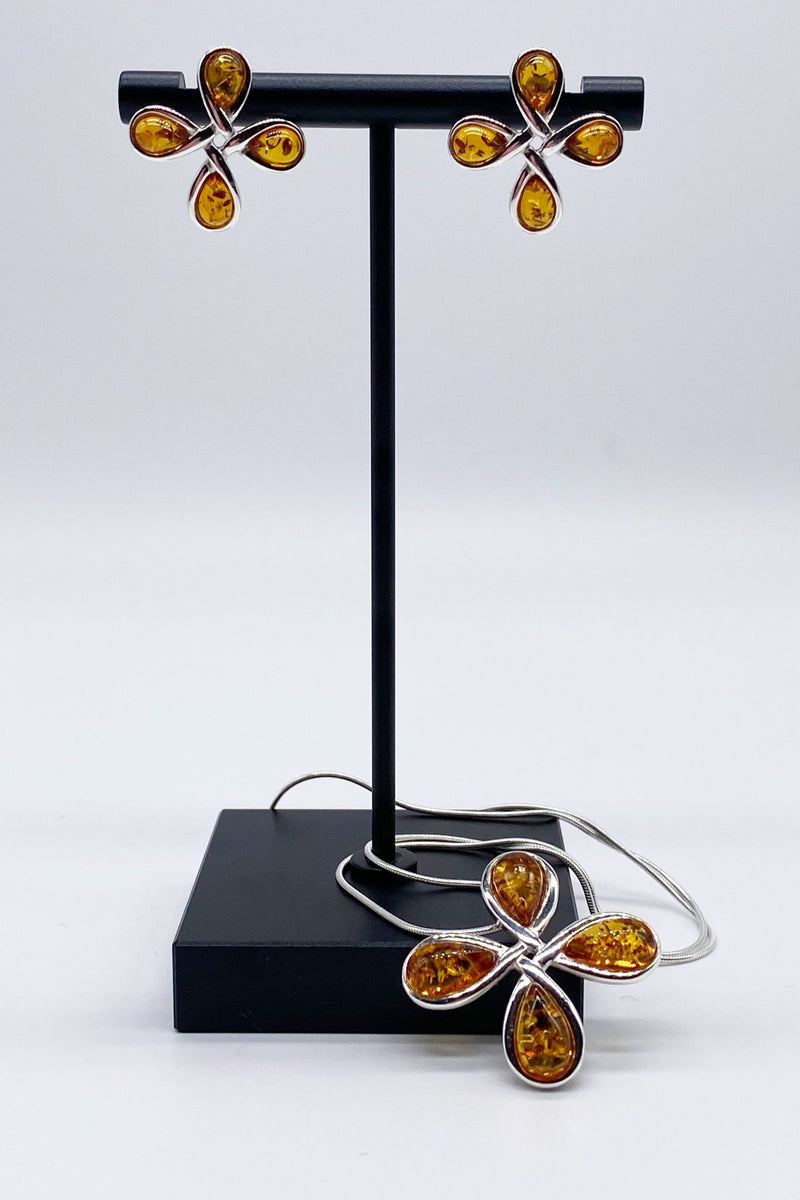 Baltic Honey Amber Petal Necklace - L'Atelier Global