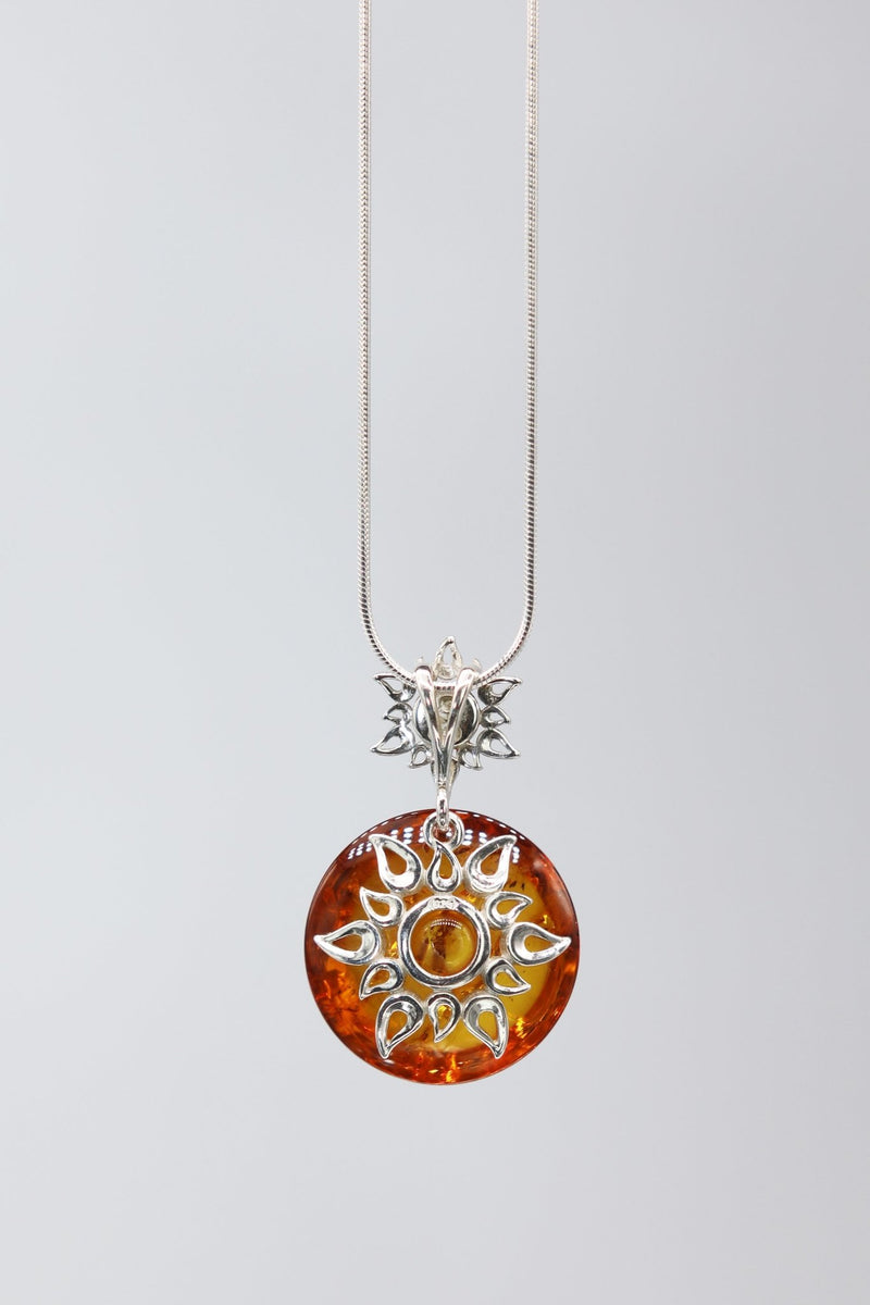 Honey Amber Star Necklace - L'Atelier Global