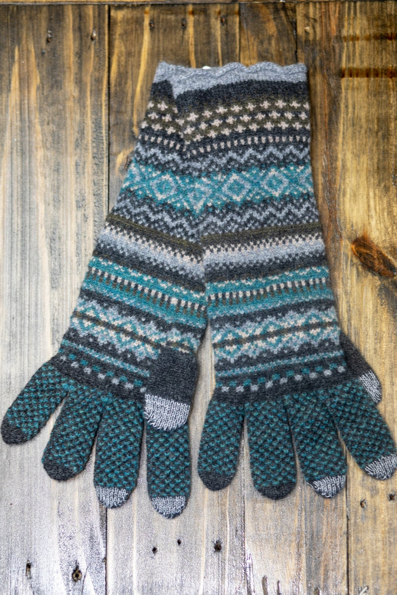 Northern Isles Merino Wool Long Glove in Gray - L'Atelier Global