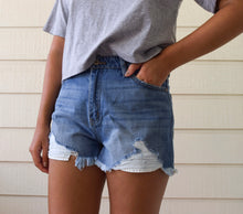 Load image into Gallery viewer, Lane Medium Wash Denim Shorts