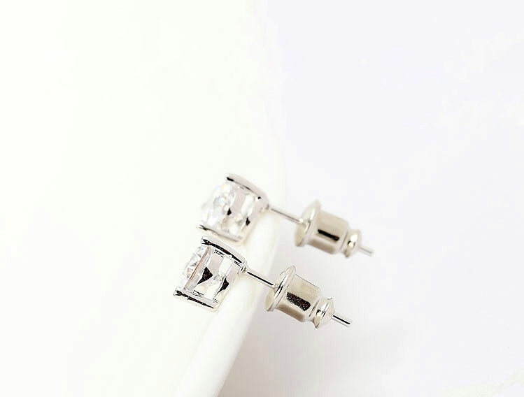 Chiara 3 Prong Earrings