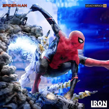 Load image into Gallery viewer, 1/4 Scale Spider-Man - Marvel Resin Statue - Iron Studios [Pre-Order] - FavorGK