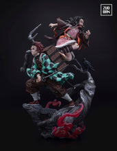 Load image into Gallery viewer, 1/6 Scale Kamado Tanjirou & Kamado Nezuko - Demon Slayer: Kimetsu no Yaiba Resin Statue - ZUOBAN Studios [Pre-Order] - FavorGK