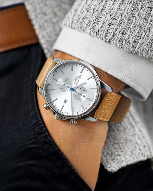 Naturally sophisticated. The TXM091, a sleek silver watch with leather strap