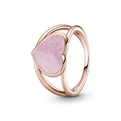 Pandora Pink Swirl Heart Statement Ring in Pandora Rose™. An open ring band and heart-shaped centerpiece has hand-applied pearlescent pink swirl enamel made to mimic rose quartz.