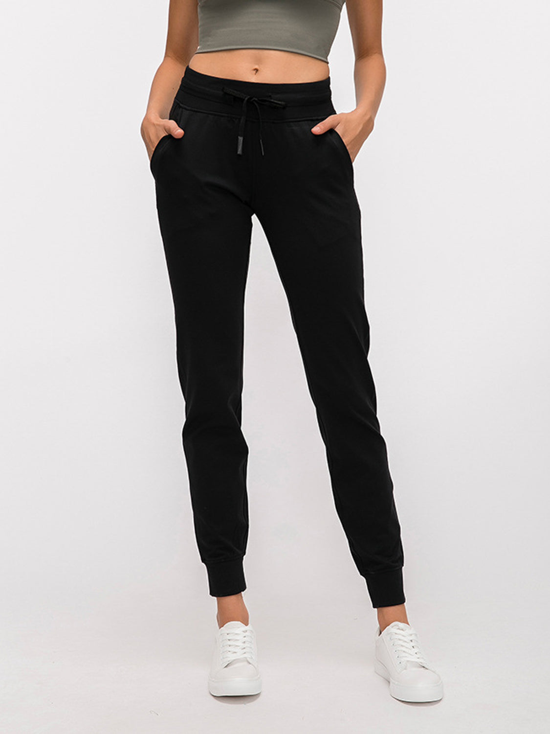 MOVI Classic Fitted Joggers (Black)