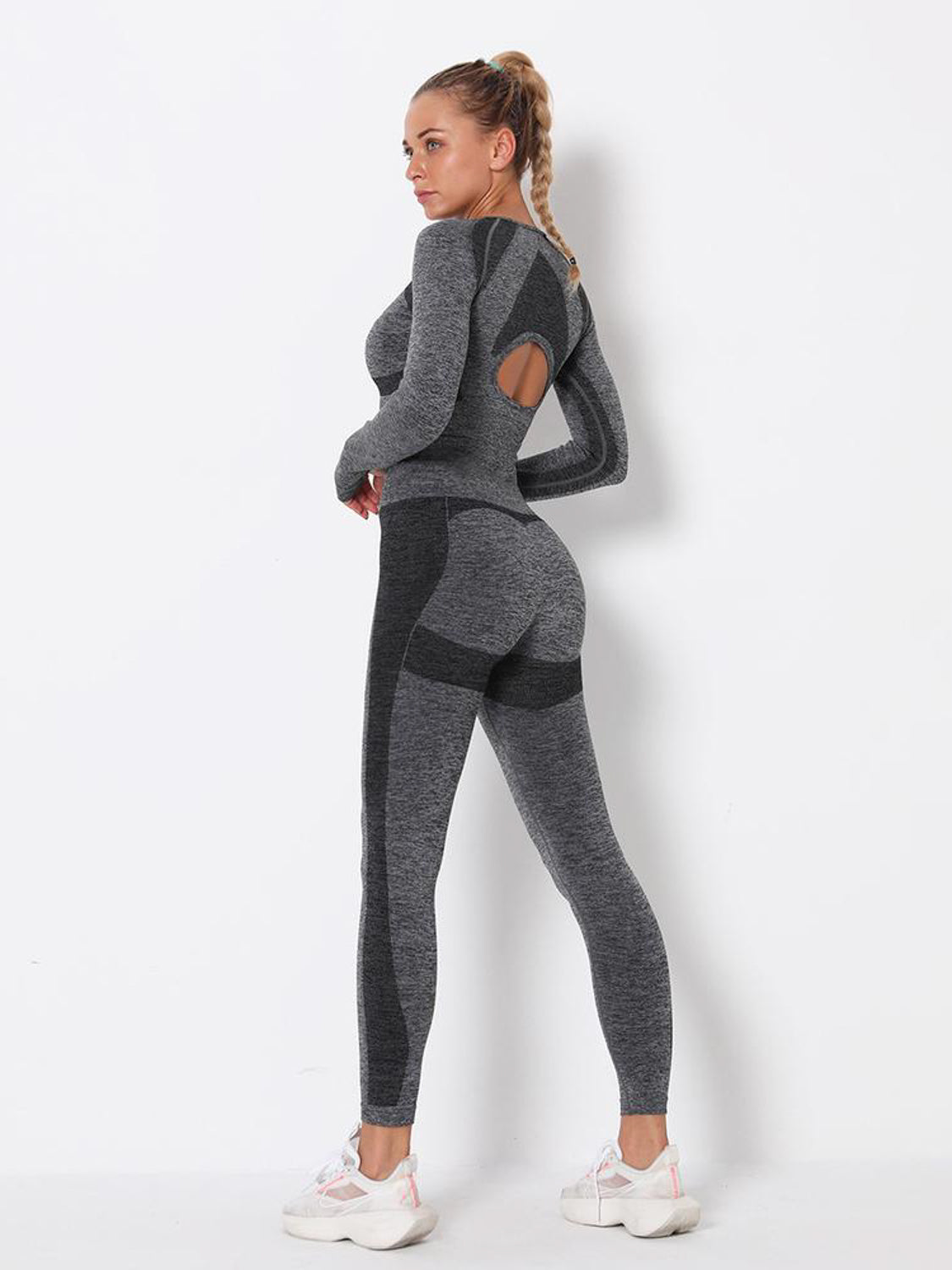 MOVI Drive Sleeved Crop - Dark Grey