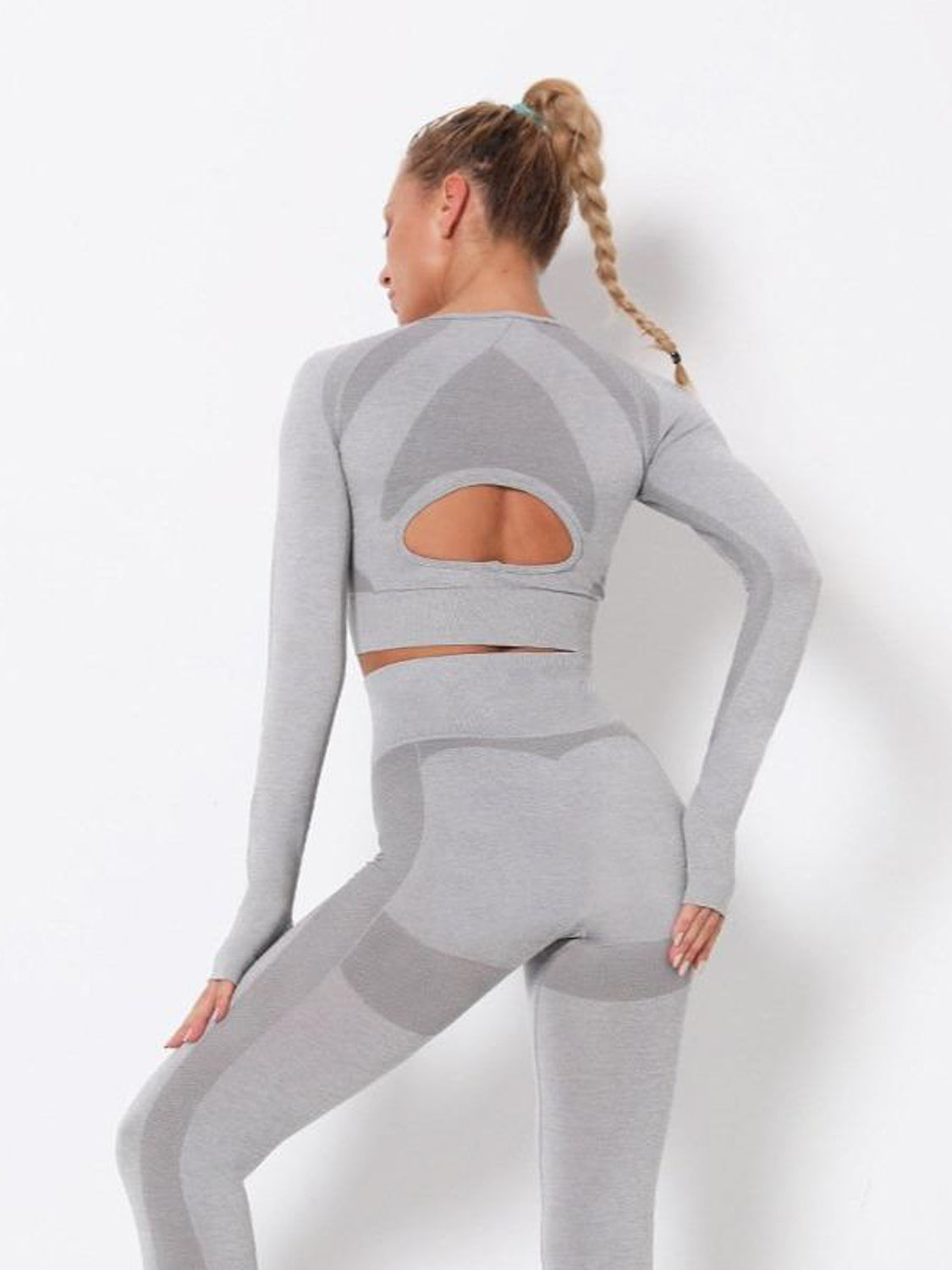 MOVI Energy - Sleeved Crop in Light Grey