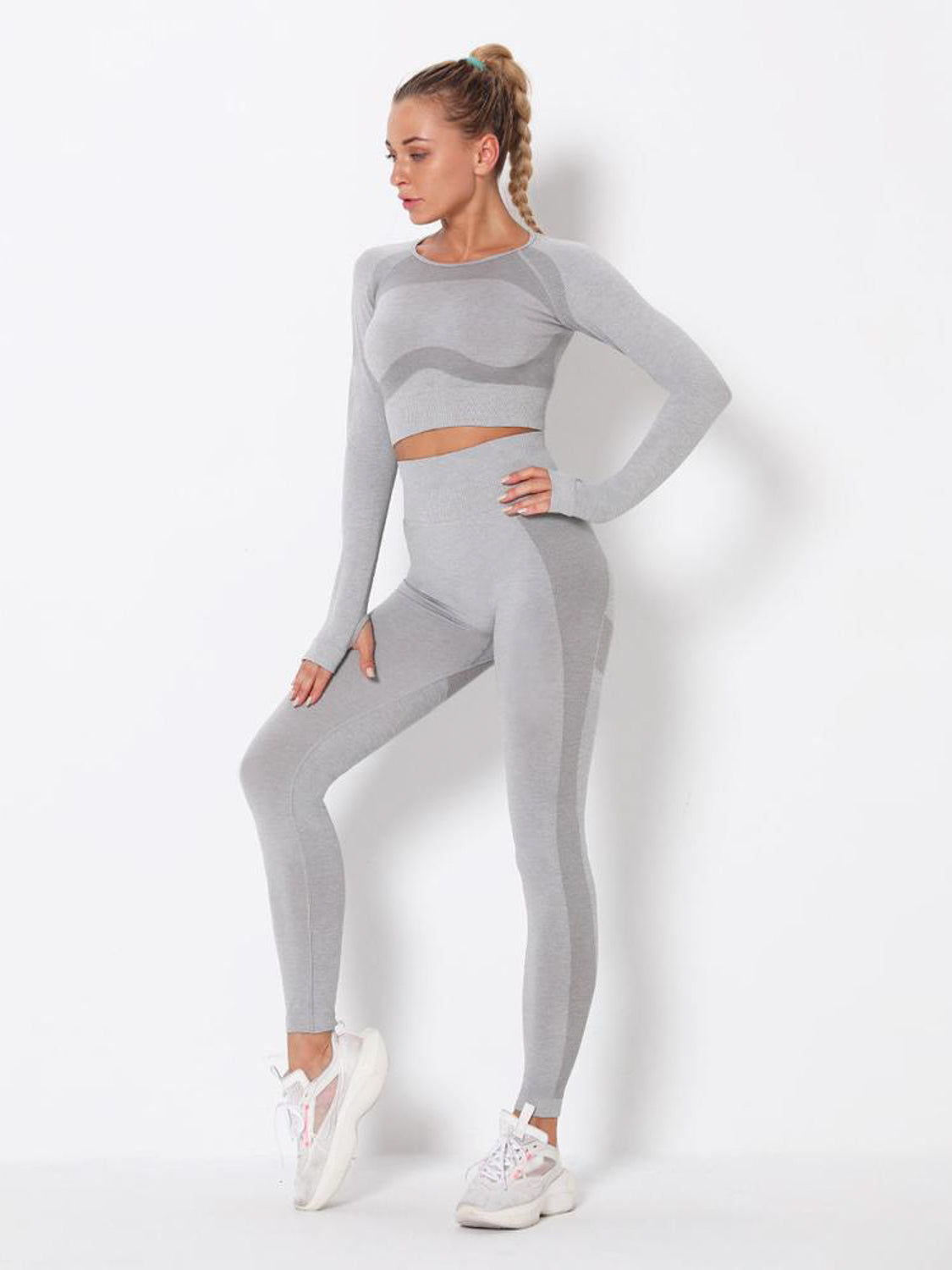 MOVI Energy Sleeved Crop - Light Grey