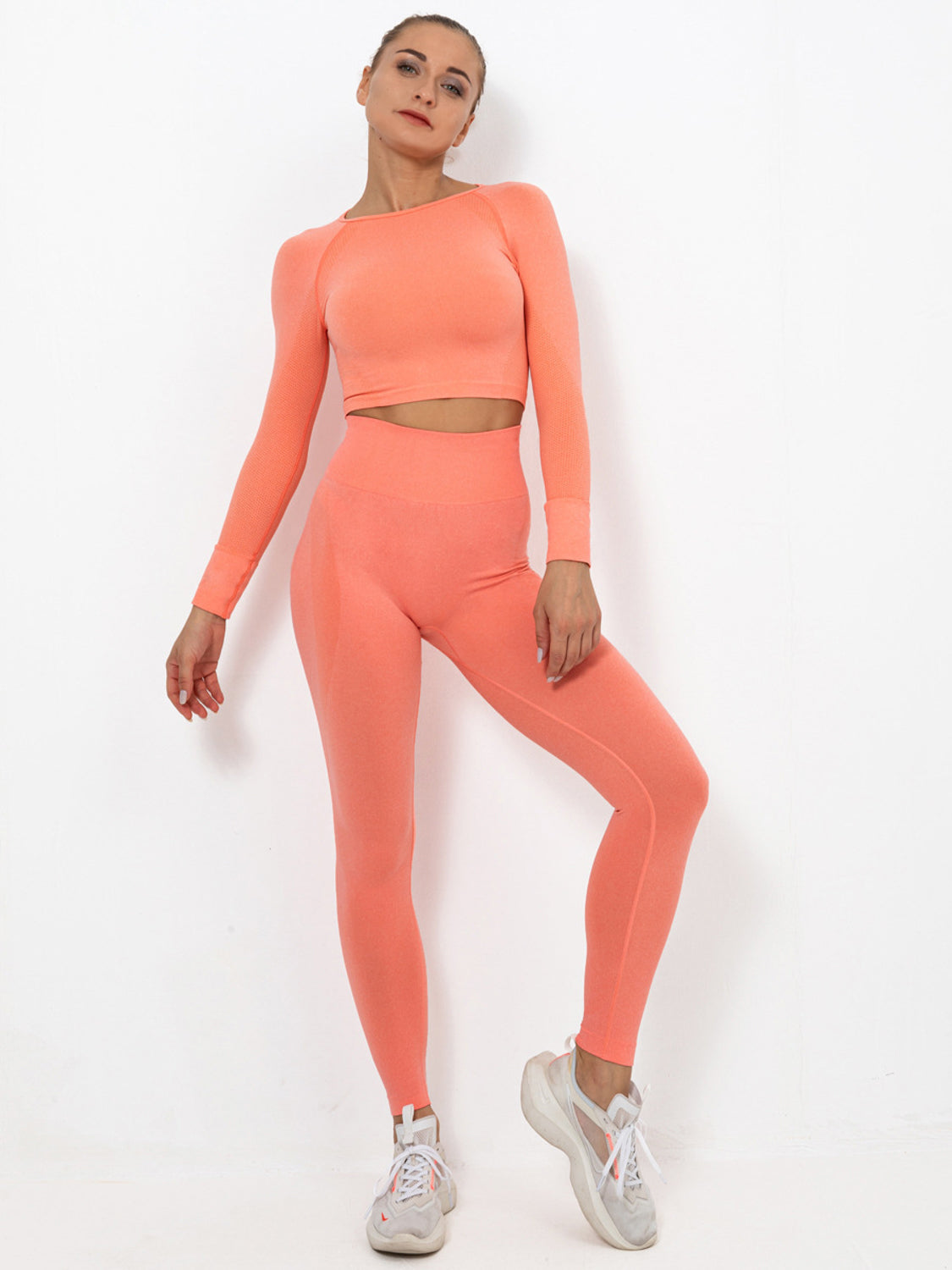 MOVI PULSE SLEEVED CROP - PEACH
