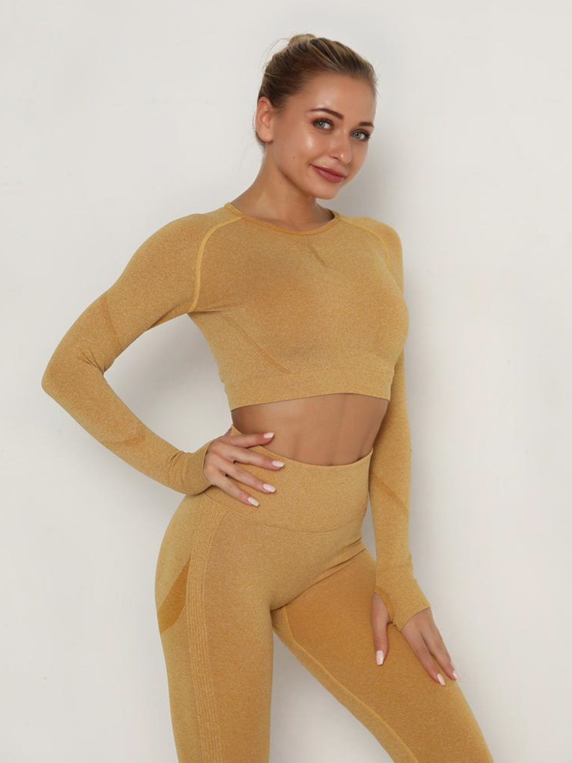 MOVI Pulse Sleeved Crop - Gold