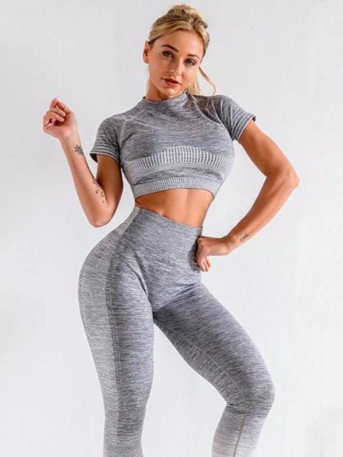 MOVI Rise Quarter Sleeved Crop - Grey/White
