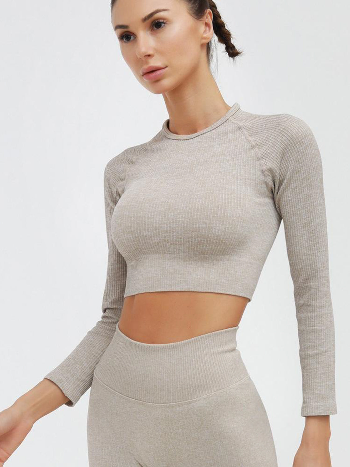 MOVI Sculpt+ Ribbed Sleeved Crop - Beige