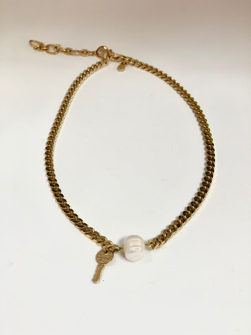 MINIMAL FRESH PEARL NECKLACE