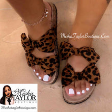 Load image into Gallery viewer, Cheetah Print Bow Slides