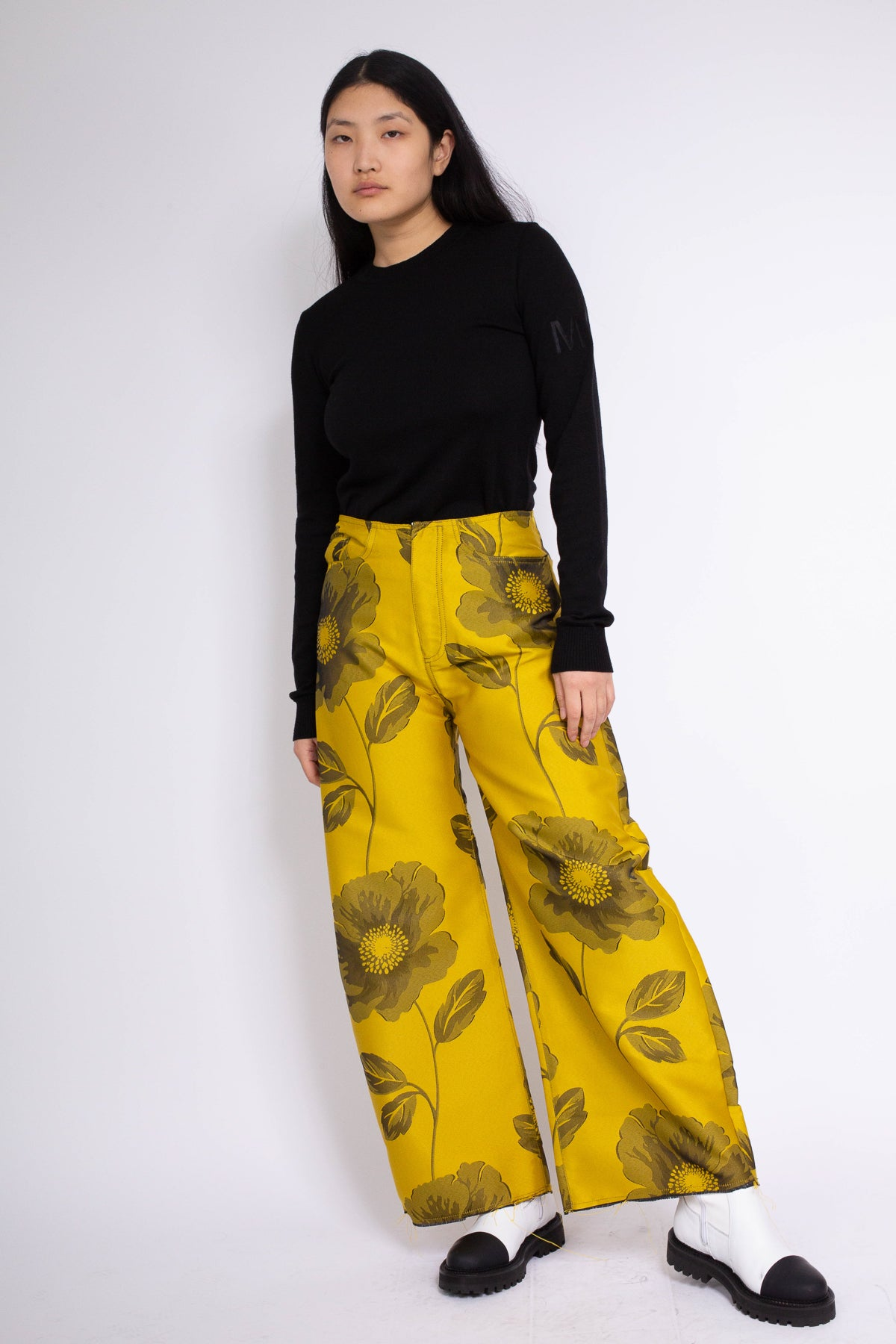 PRE-OWNED / BOYFRIEND STYLE TROUSERS IN YELLOW FLOWER BROCADE - marques-almeida-dev