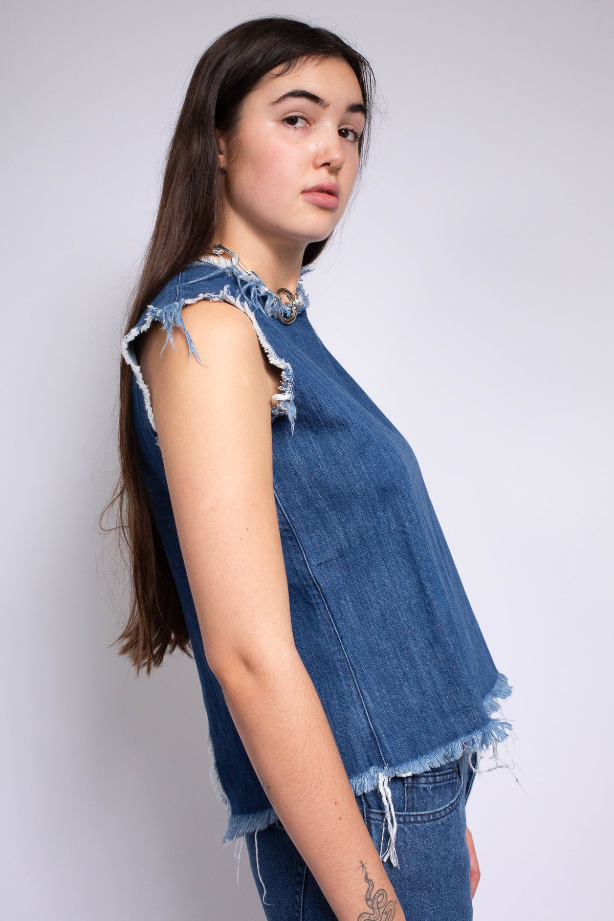 DENIM SLEEVELESS OPEN BACK TOP
