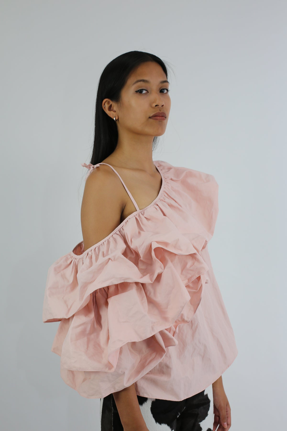 PRE-OWNED / PALE PINK ONE SHOULDER RUFFLE TOP