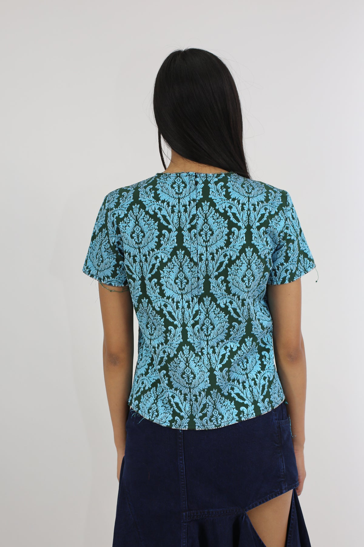 PRE-OWNED / BLACK AND BLUE BROCADE CAP SLEEVE