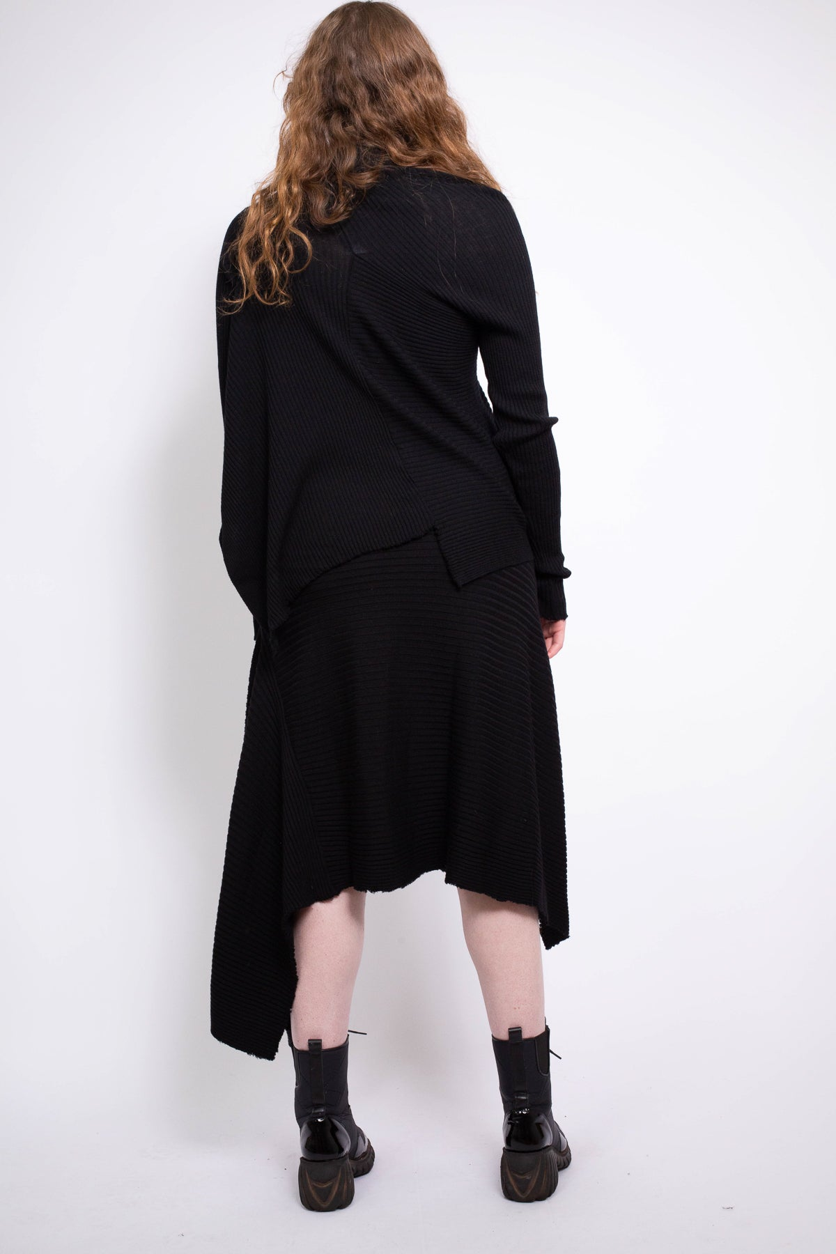 CLASSIC M'A DRAPED MERINO SKIRT IN BLACK