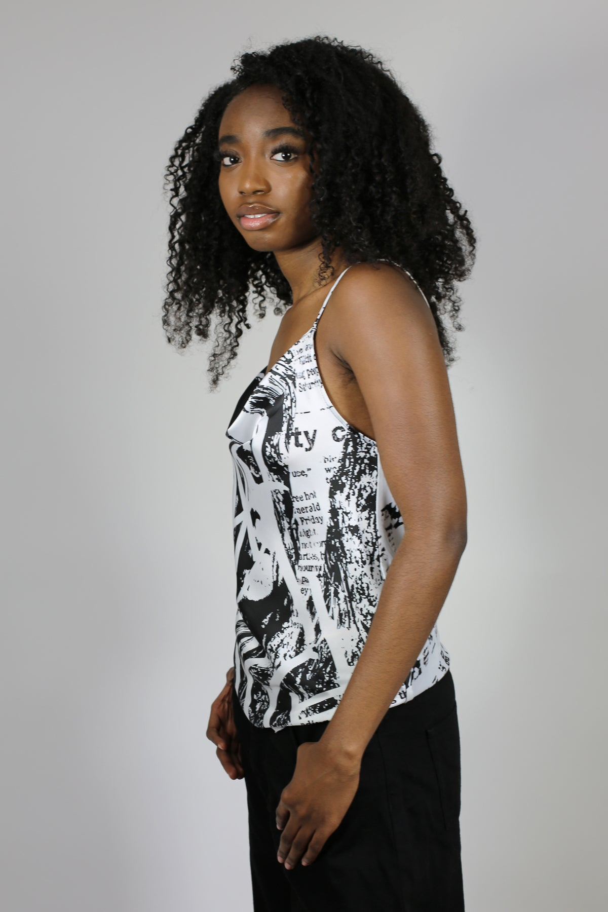 PRINTED SATIN SLIP TOP IN B&W PRINT