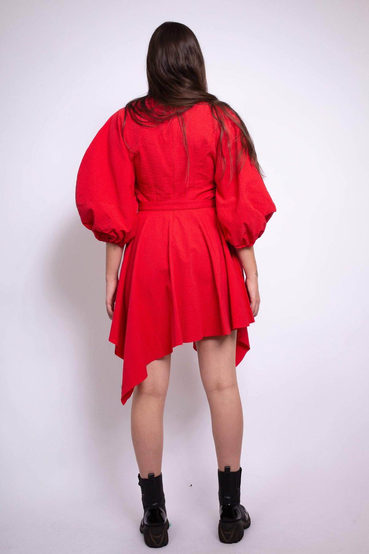 BALLOON SLEEVE DRESS IN RED